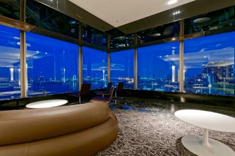 グローバルフロントタワーのラウンジ
