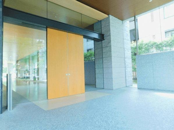 赤坂溜池タワーレジデンスのエントランス