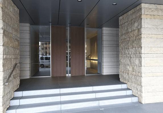 ザ・パークハウス新宿タワーのエントランス