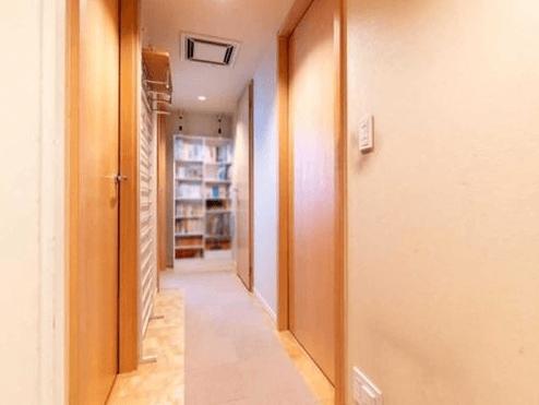 東京レジデンスの玄関