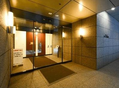ラフィーヌ西新宿のエントランス
